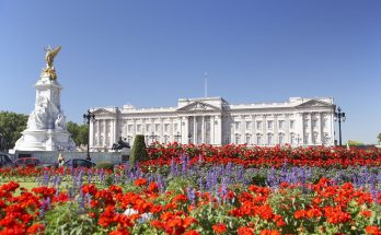 All About Bathrooms and Toilets in Buckingham Palace
